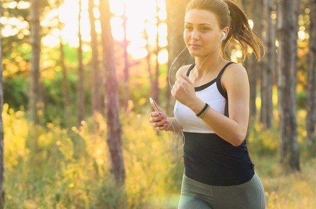 Starting a fitness blog girl jogging
