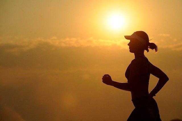 Starting a fitness blog morning girl jogging 2