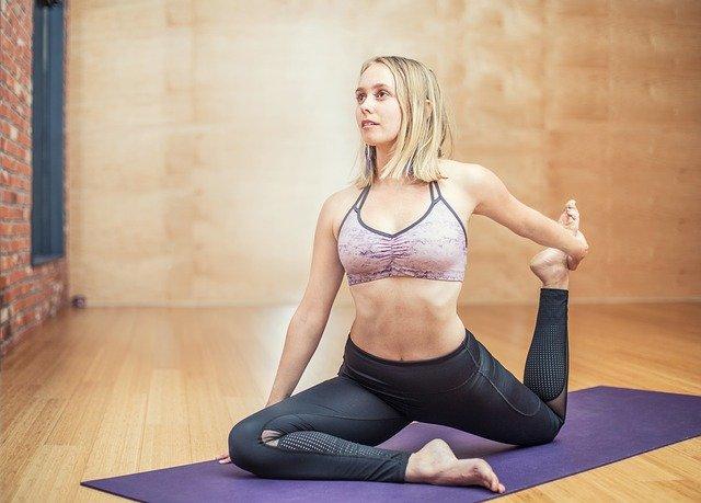 Starting a fitness blog yoga girl